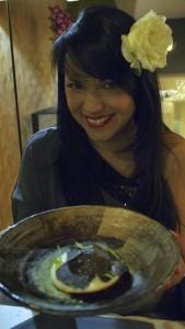 Pin Up En Cuisine  à La maison d'à côté par Chistophe Hay
